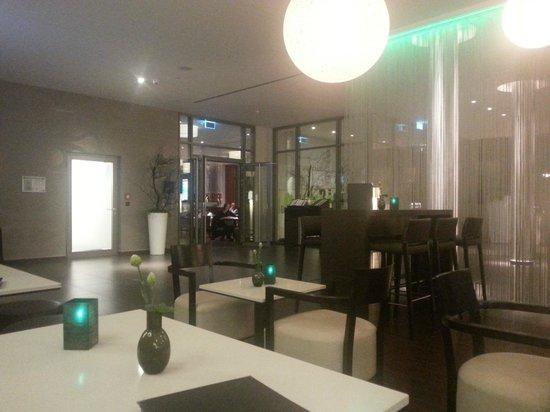Dorint Hotel Hamburg-Eppendorf: the lobby