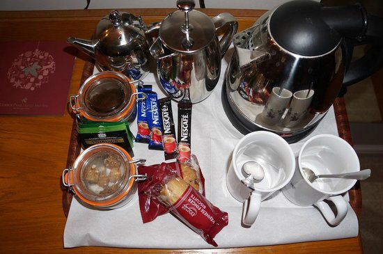 Muthu Clumber Park & Hotel and Spa : Complementary beverage tray