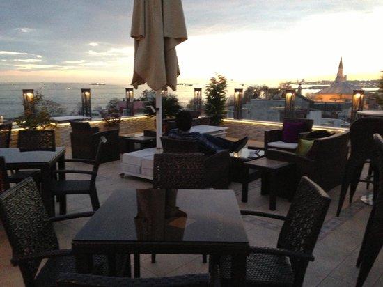 Hotel Amira Istanbul: Outside 3