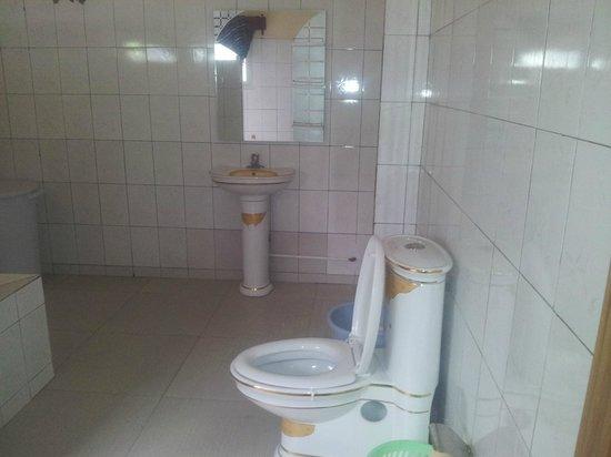 Anjouan, Komoren: salle de bain et toilette du Suite N°1