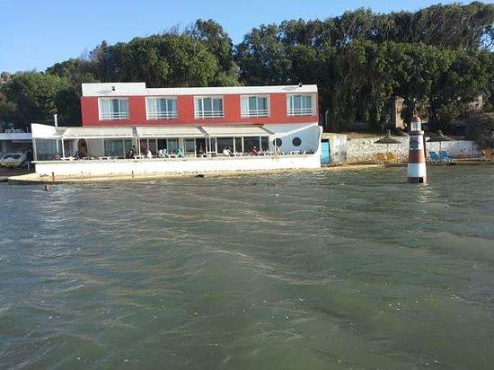Ostrea II : Hotel vu de la lagune