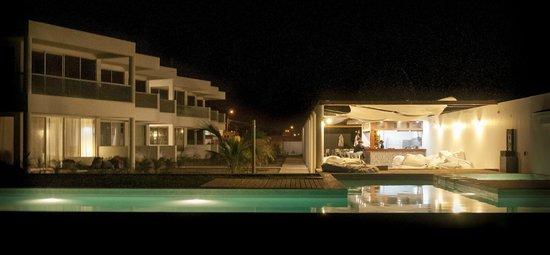 Suites del Mar: Hotel de Noche