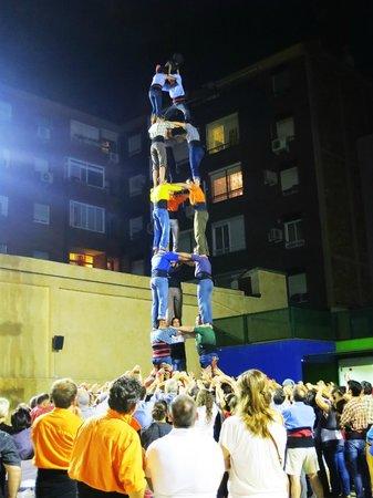 Rodamón Barcelona Hostel: human pyramid