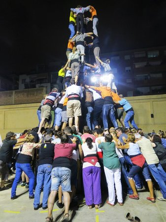 Rodamon Barcelona Hostel : human pyramid