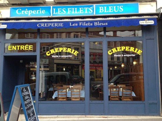 Creperie Les Filets Bleus: La vitrine
