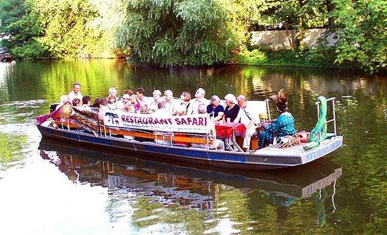 Restaurant Safari: Ein Trip mit dem Safariboot - freitags von Mai bis September