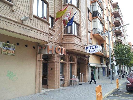 Hotel Alisi: Buena ubicacion y facil de aparcar en frente