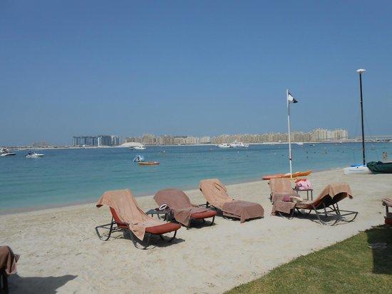 The Westin Dubai Mina Seyahi Beach Resort & Marina : So relaxing and excellent beach service from the staff