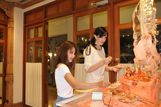 Centara Grand Beach Resort & Villas Hua Hin: More lobster!