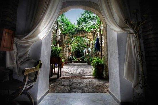 Capilla patio fotograf a de hotel balneario sierra alhamilla pechina tripadvisor - Banos de sierra alhamilla ...