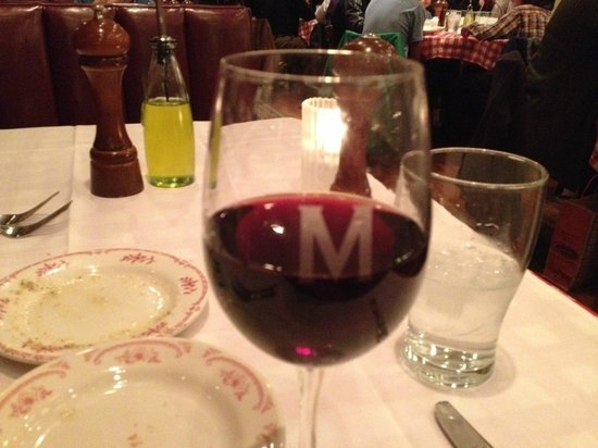 Maggiano's Little Italy: Stained wine glass