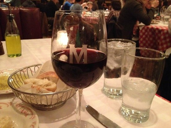 Maggiano's Little Italy: Stained wine glass2
