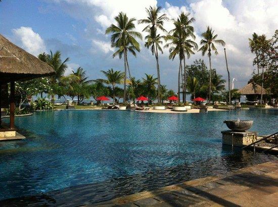 The Patra Bali Resort & Villas : Piscina. Perfecta