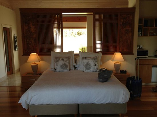 Yallingup Luxury Retreat: Studio Pavilion bed