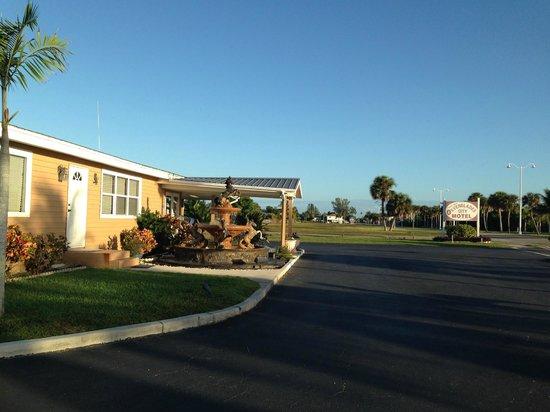 Everglades City Motel : entrée de l'hôtel