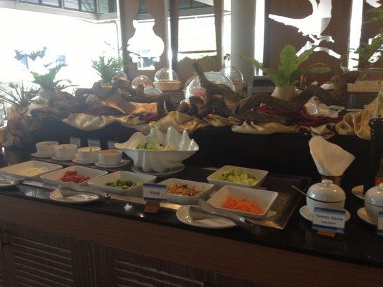 Deevana Plaza Krabi Aonang: Buffet breakfast