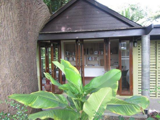 U Inchantree Kanchanaburi : kleine fitness en bibliotheek