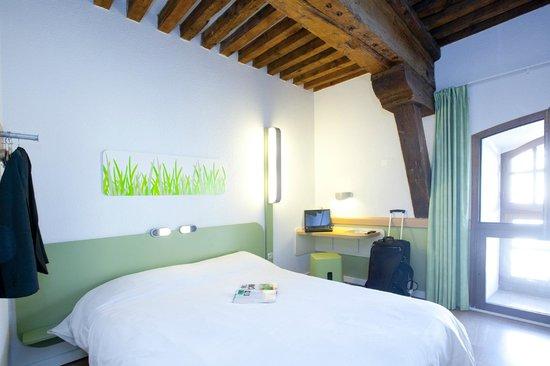 ibis budget marseille vieux port hotel voir les tarifs 934 avis et 189 photos. Black Bedroom Furniture Sets. Home Design Ideas