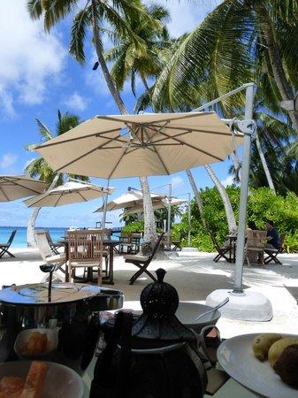 Shangri-La's Villingili Resort and Spa Maldives: Breakfast at the restaurant