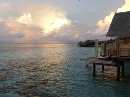 Shangri-La's Villingili Resort and Spa Maldives: view from the terasse