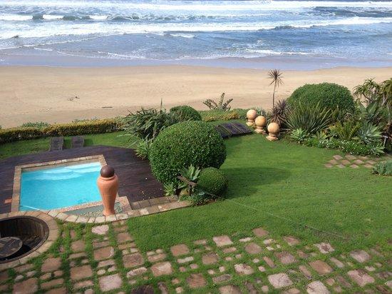 Xanadu Guest Villa : Garden/pool/beach