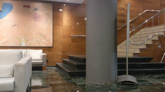 NH Collection Barcelona Gran Hotel Calderon: Recepción del hotel