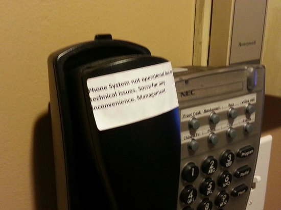 Mountain Springs Resort and Conference Centre: Phone system doesn't work.