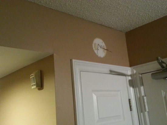 Mountain Springs Resort and Conference Centre: Wires hanging.  Maybe part of an old alarm ?