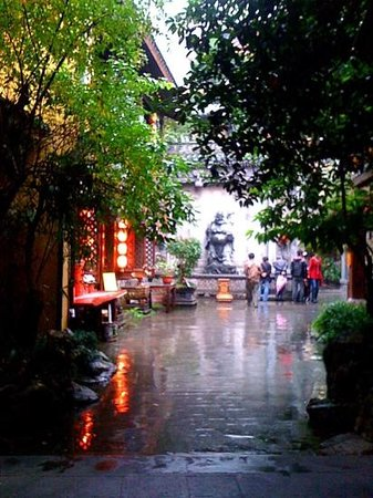 Chongqing Luohan Temple : luohan Temple..1000 year old Tang dynasty annh 2013