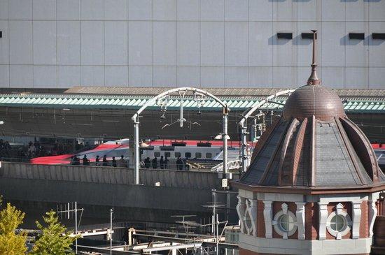 Shin-marunouchi Building: テラスより
