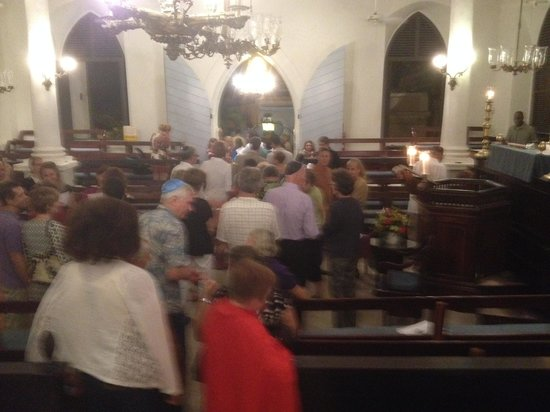 St. Thomas Synagogue : Pardon the blur, it was dark!