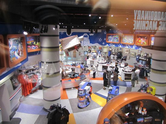 Gift shop - Picture of NASA Kennedy Space Center Visitor ...