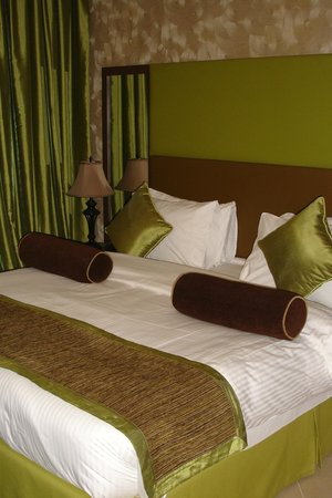 Al Waleed Palace Hotel Apartments Al Barsha: Quality bed linens