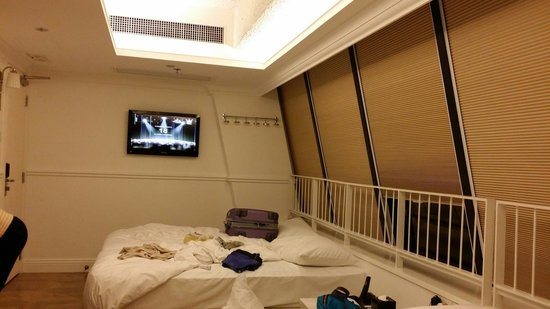 Mini Hotel Causeway Bay Hong Kong: Give us a room which also caters to handicapp