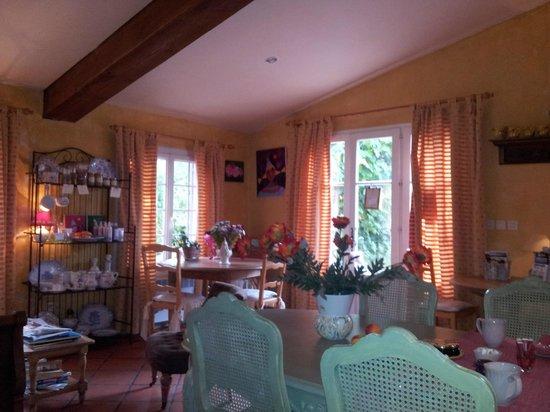 Le Clos des Iris : Dining room / Reception