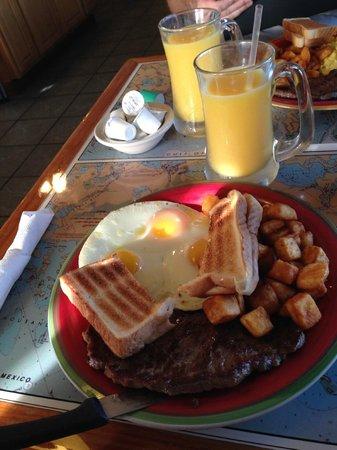 Island Cafe : assiette petit dejeuner
