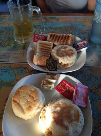 Island Cafe: petit dejeuner
