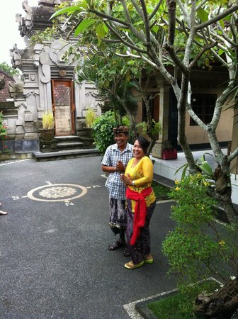 Paon Bali Cooking Class: The lovely Wayan and Puspa