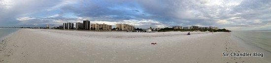 Wyndham Garden Fort Myers Beach: Panoramica de la playa