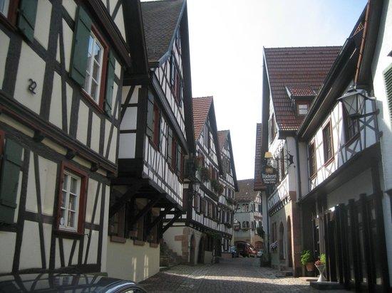 Hotel zum weyßen Rößle: Weg in die Altstadt