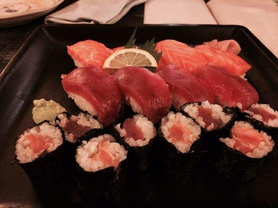 Nakayoshi: Sushi variado mmmmm