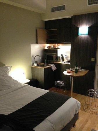 Suites & Hôtel Helzear Champs-Elysées: studio apartment