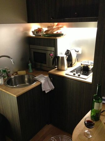 Helzear Champs Elysees: kitchinnete
