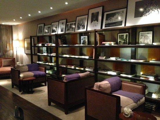 Serena Hotel: The Lobby