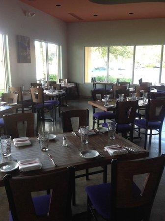 Cinque Terre Italian Restaurant: dining room