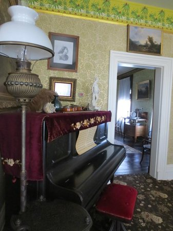 Frederick Douglass National Historic Site: Living room