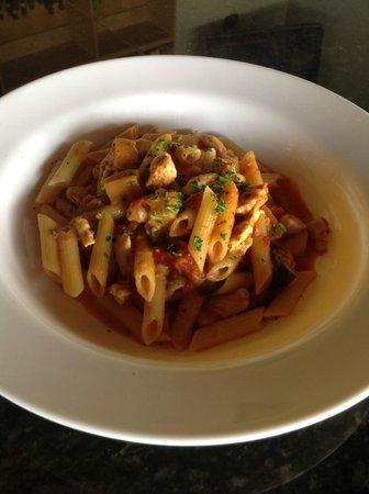 Cinque Terre Italian Restaurant: Penne pasta