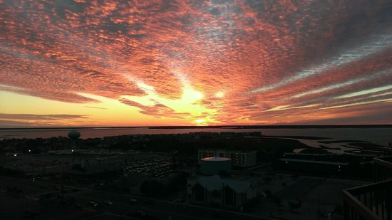 Clarion Resort Fontainebleau Hotel - Oceanfront: Sunset over Ocean CIty