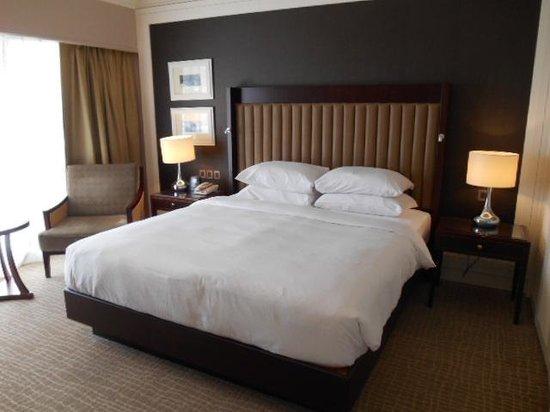 ฮิลตัน กูชิง: Bedroom