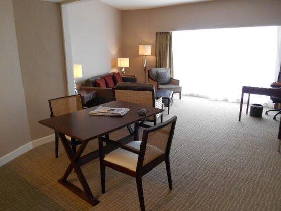 ฮิลตัน กูชิง: Dining area in the room